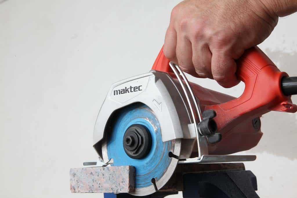 Maktec_MT413_03