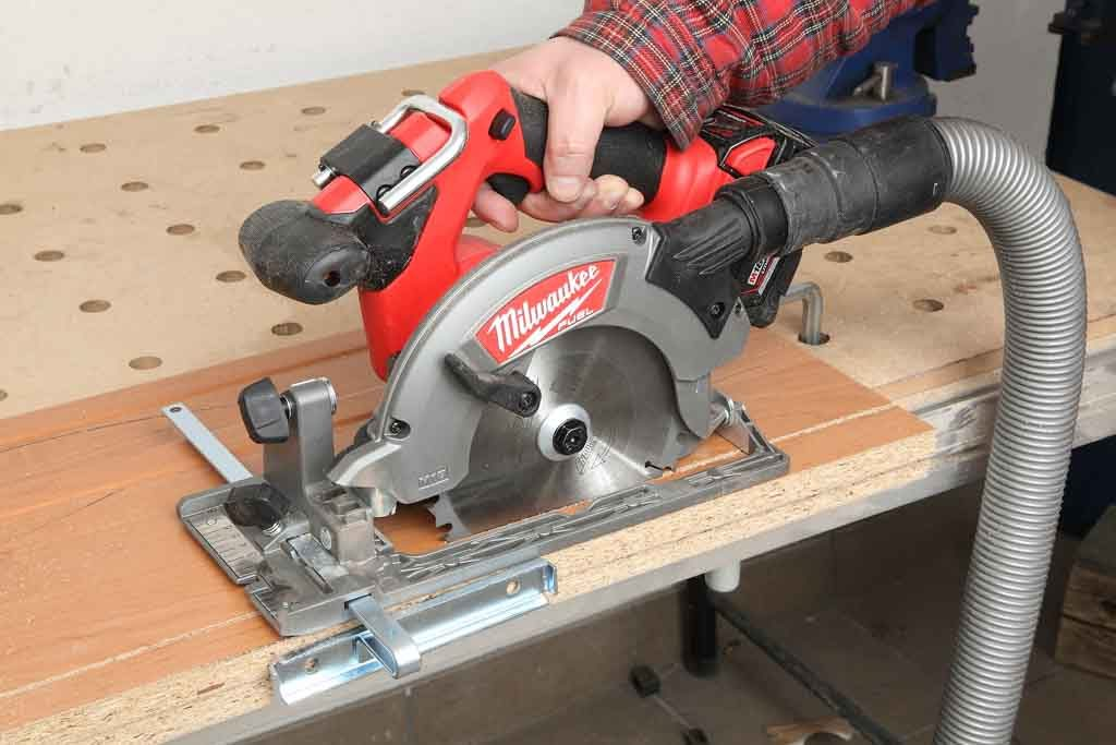 Milwaukee_M18CCS55_01