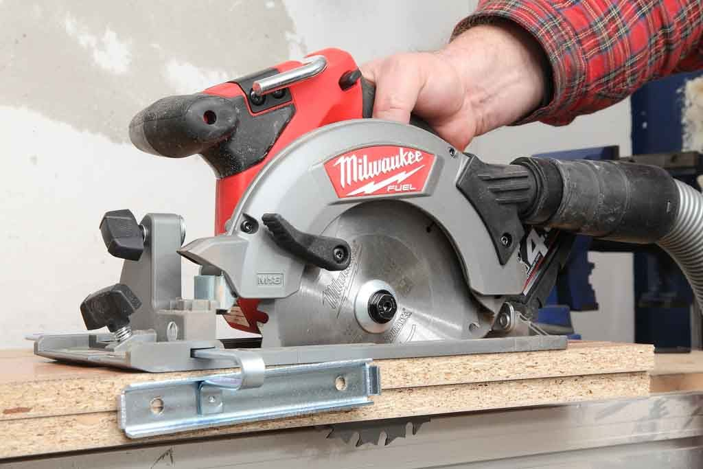 Milwaukee_M18CCS55_02