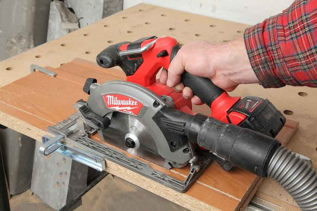 Milwaukee_M18CCS55_03