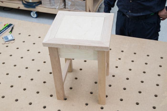 Fot. 18. Wykonany stołek ze schowkiem