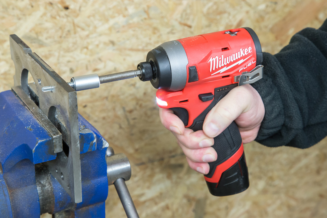 Milwaukee_M12FID-3