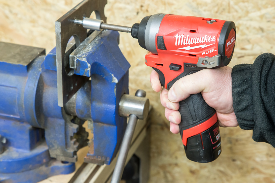 Milwaukee_M12FID-4
