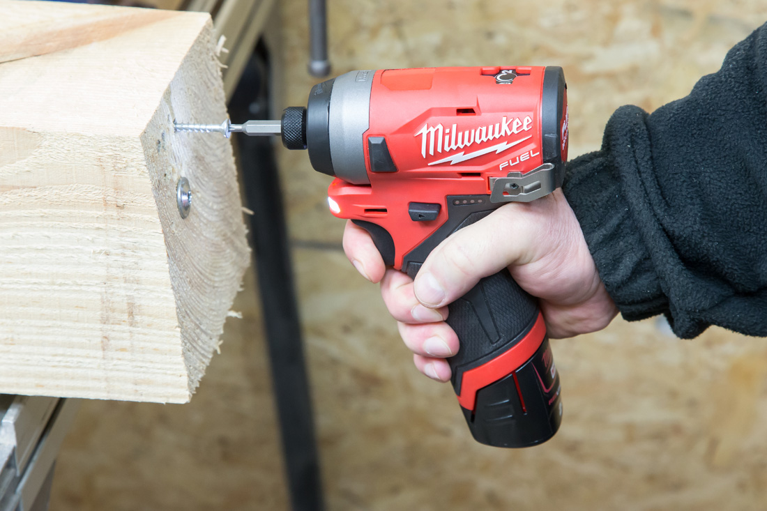 Milwaukee_M12FID-5