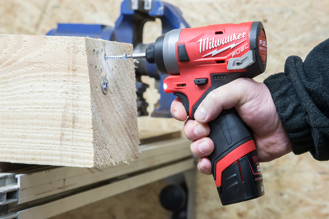 Milwaukee_M12FID-6