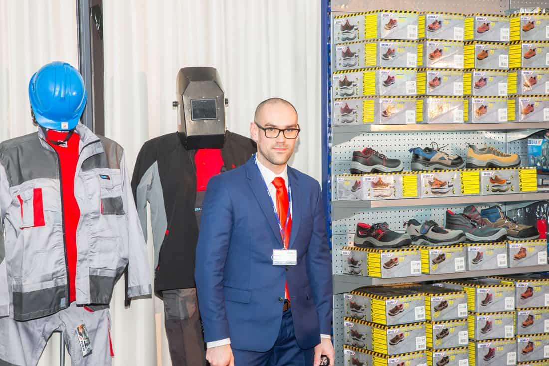 Prowadzący konferencję Marcin Kruszewski - kierownik działu sprzedaży rynek tradycyjny