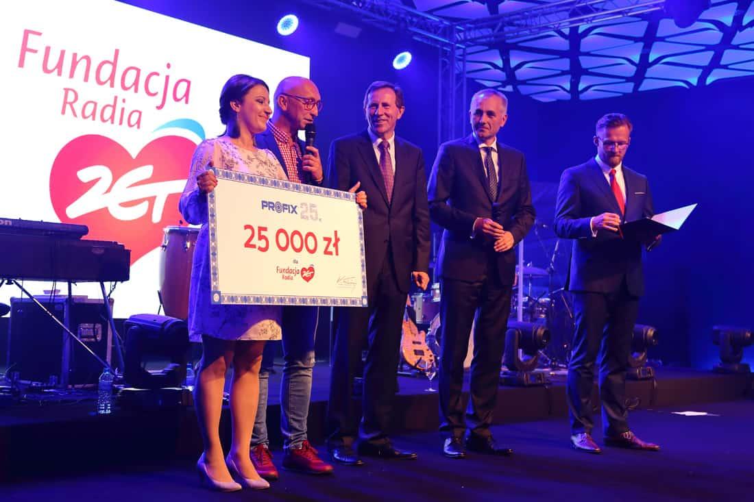 Jubileuszowa Gala Profix była także znakomitą okazją do wsparcia organizacji pozarządowych. Przez cały dzień licytowano liczne przedmioty