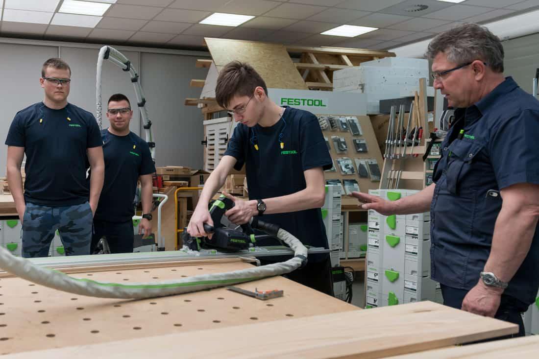 Klasa Festool wzbogaca swoją wiedzę w Centrum Szkoleniowym w Sokołowie